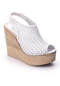 beyaz-yari-kapali-sandalet